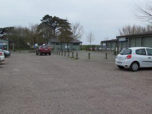 parking du bec d'andaine stationnement pouir le départ des traversées du bec d'andaine